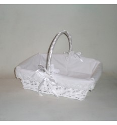 Cesta de mimbre rectangular blanca vestida
