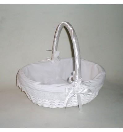 Cesta de mimbre oval blanca vestida