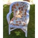 Sillón blanco con tapicería