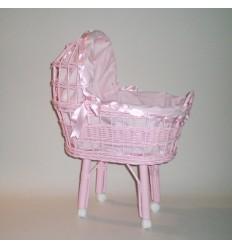 Cunita con capota color rosa vestida